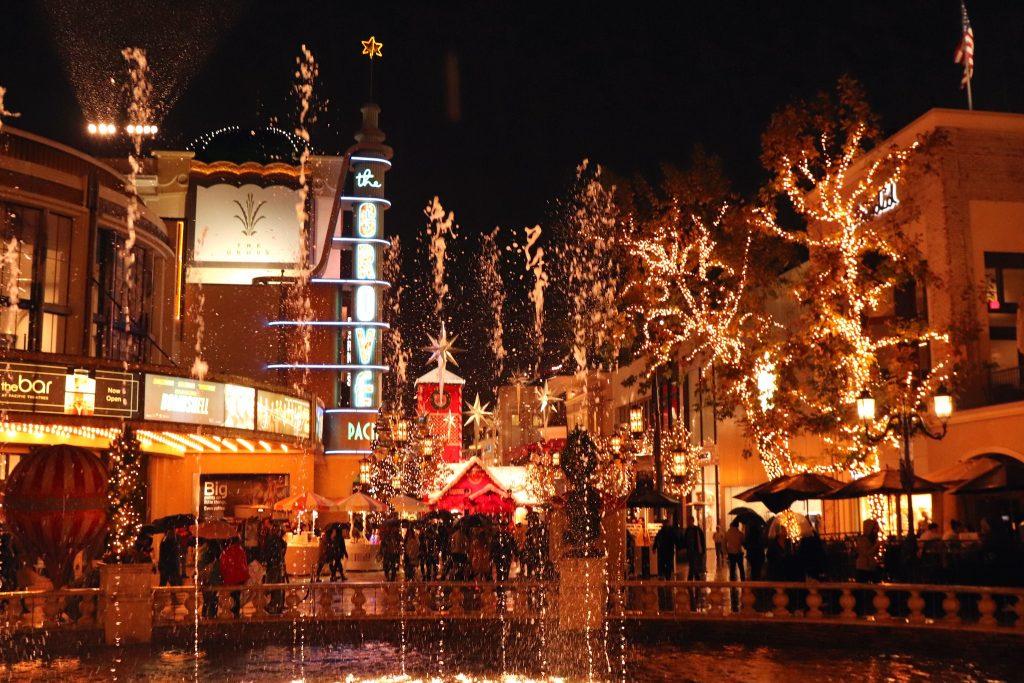 the grove nighttime santa xmas christmas time los angeles