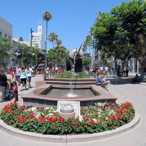 Hip and Happening Shopping at 3rd Street Promenade in West LA: Santa Monica, Blocks from the Beach