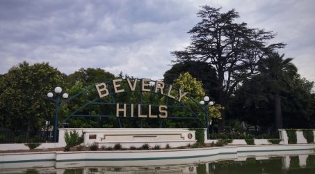A Beautiful Photo Op at the Beverly Hills Sign and Gardens
