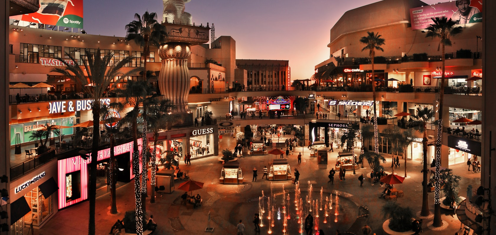 hollywood and highland mall cool night photo wow