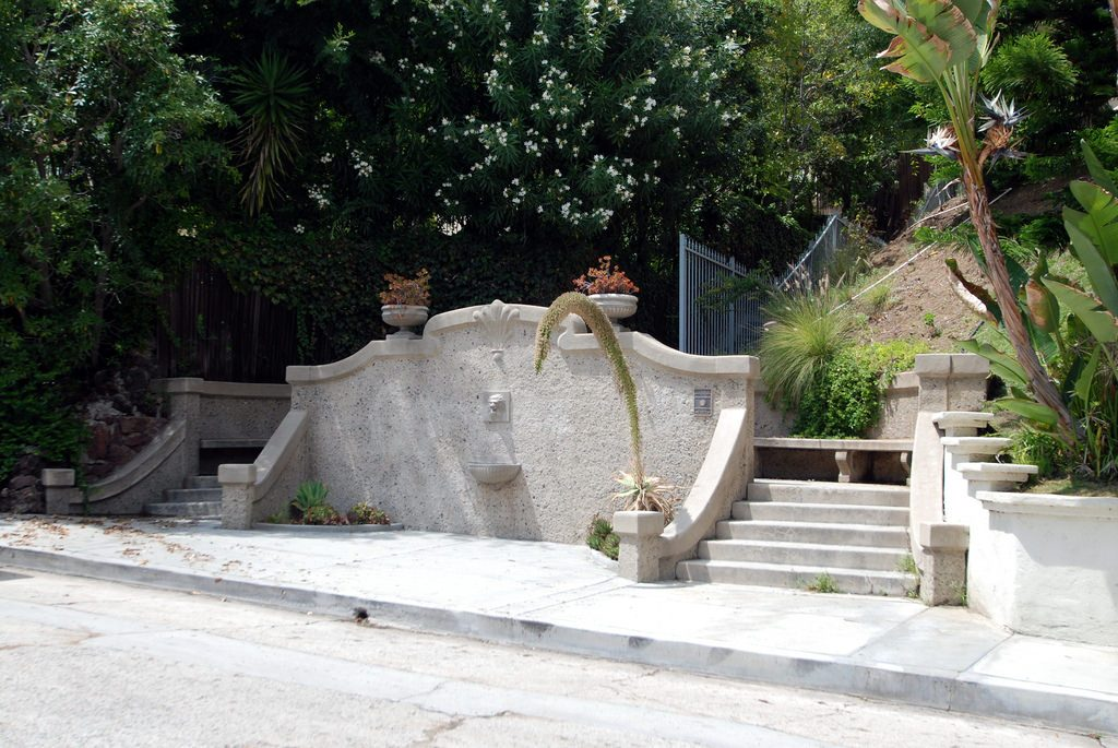 los feliz heights stone steps