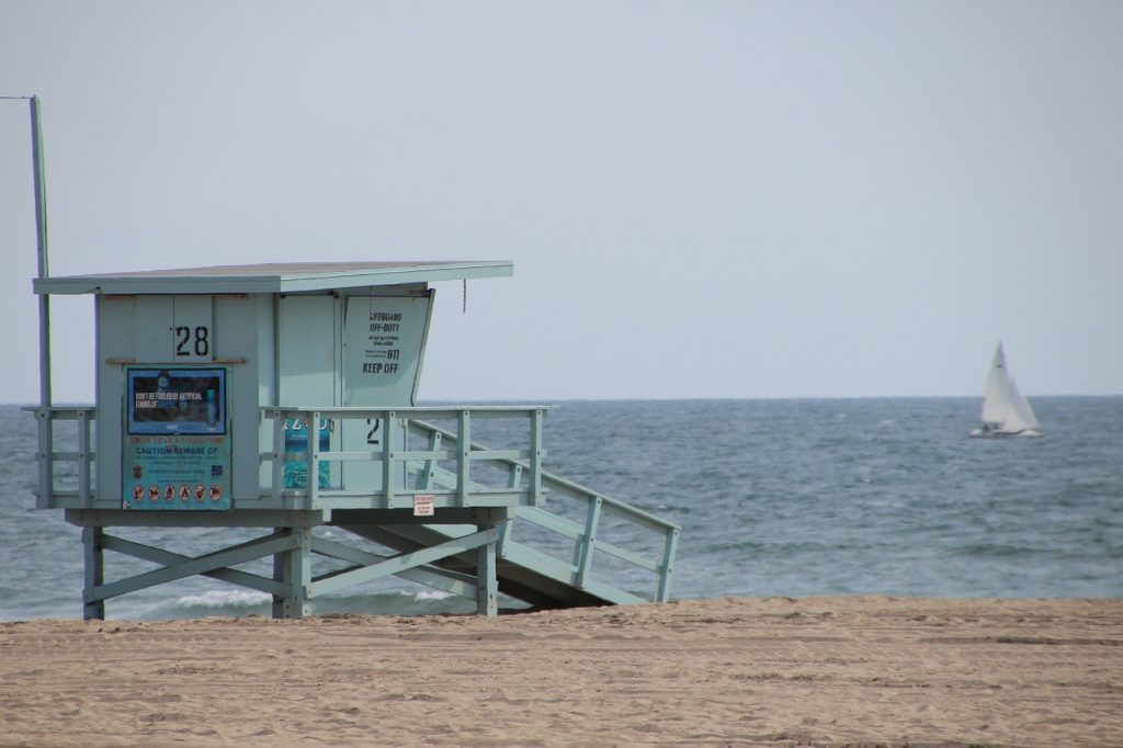 santa monica beach sand ocean lifeguard house