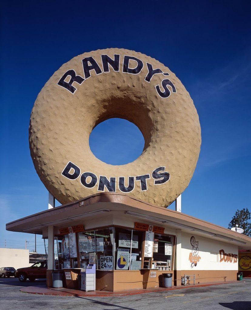 giant donut randys donuts inglewood los angeles