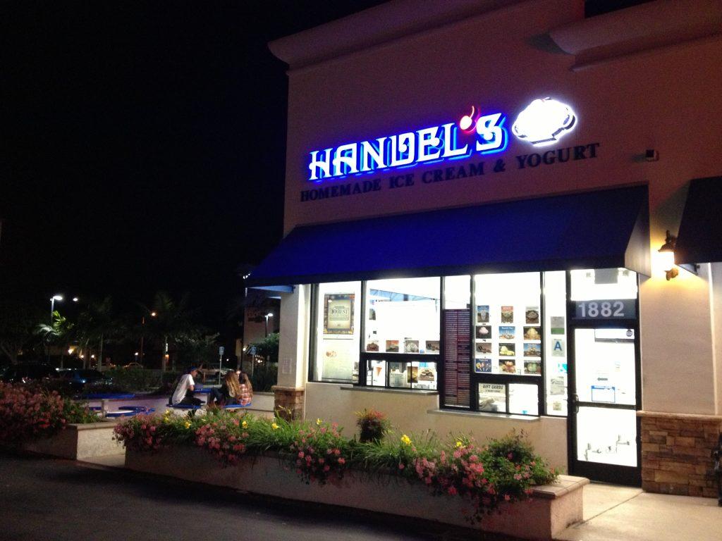 handels ice cream and yogurt storefront redondo beach