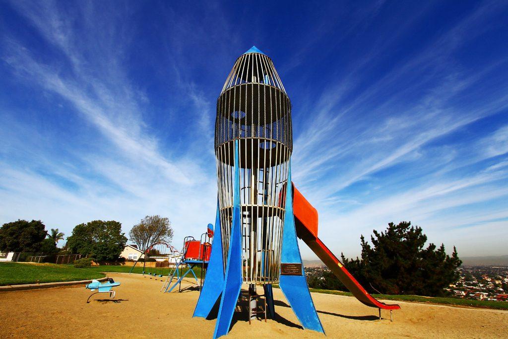 los arboles rocketship park slide