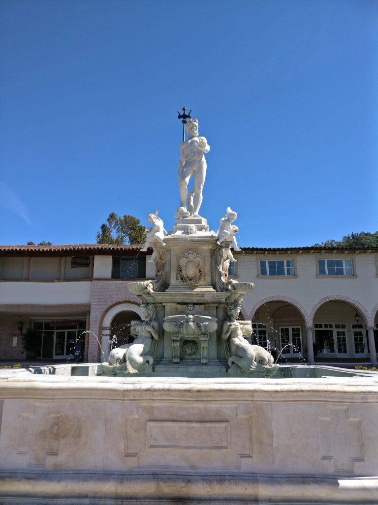 malaga cove fountain and statue