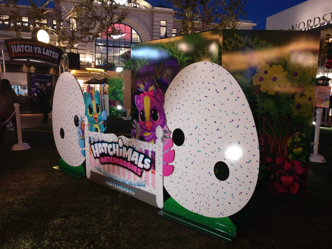 Hatchimals Hatchibabies photo opportunity the grove
