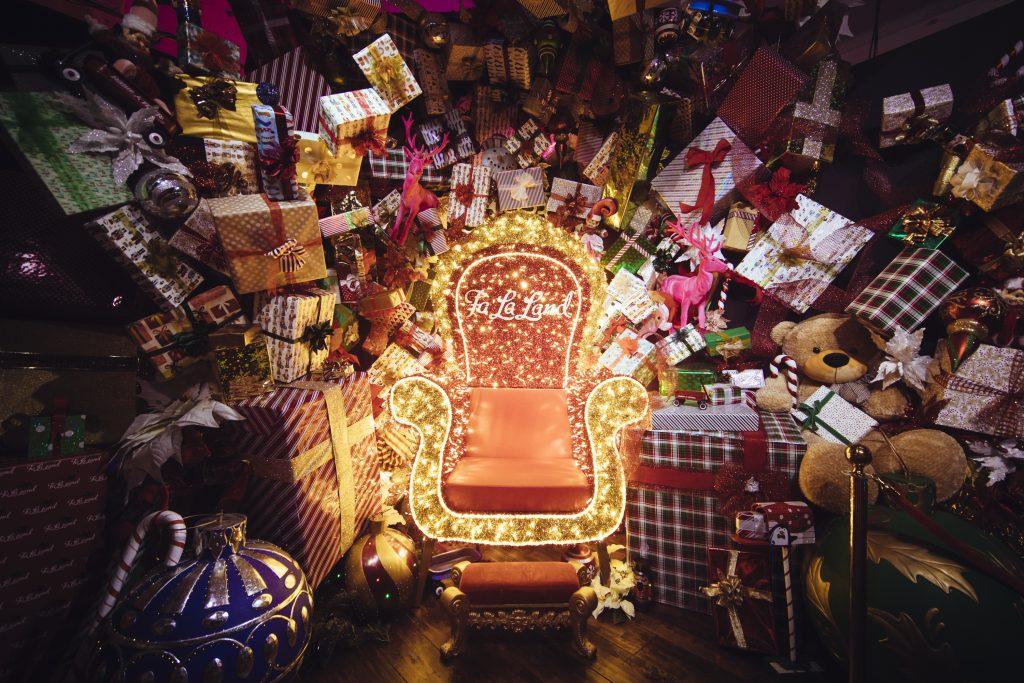 falaland fa la land santa chair throne presents