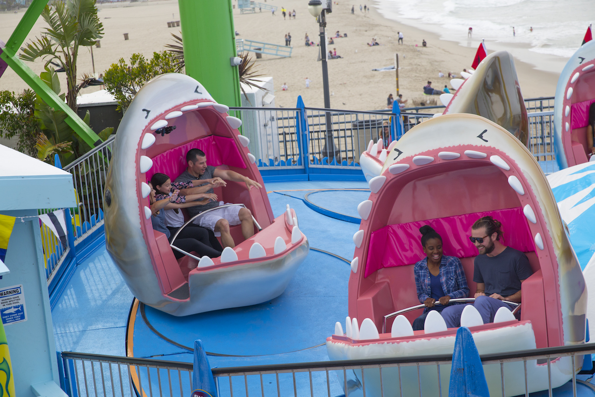 shark frenzy teacups turning rotation pacific park santa monica place