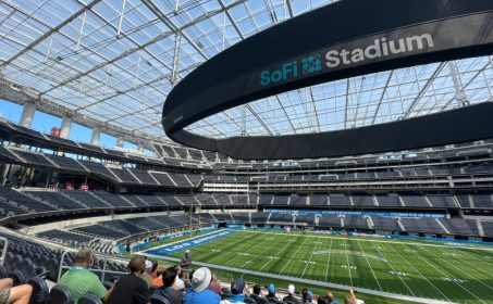 Go on a tour at SoFi Stadium and take the field of the LA Rams and Chargers